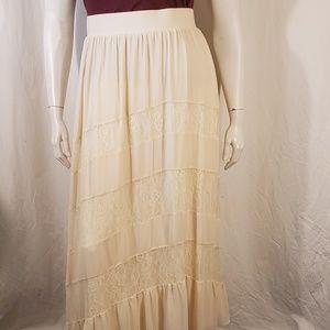 Torrid Cream Lace Maxi Skirt size 1X